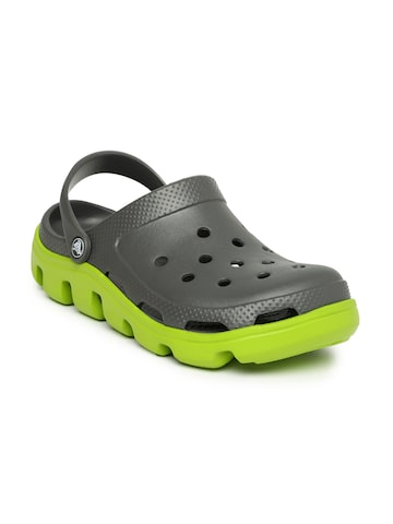 Crocs Men Grey Duet Sport Clogs at myntra