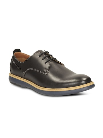 Clarks Men Black Casual Shoes at myntra