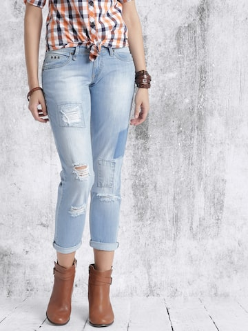 Roadster Women Blue Boyfriend Fit Mid Rise Mildly Distressed Jeans at myntra