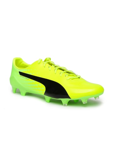 Puma Men Fluorescent Green EVOSPEED Football Shoes at myntra