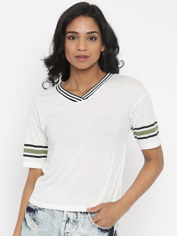 Vero Moda White Solid T-shirt at myntra