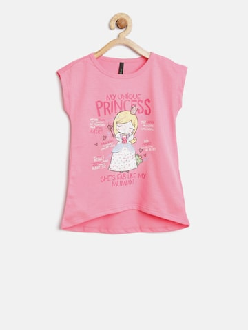 United Colors of Benetton Girls Pink Printed Round Neck T-shirt at myntra