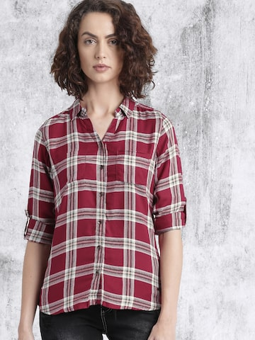 Roadster Maroon Checked Casual Shirt at myntra