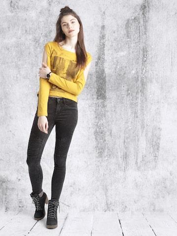 Roadster Women Mustard Yellow Printed High-Low T-shirt at myntra