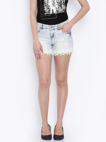 Deal Jeans Women Blue Washed Slim Fit Denim Shorts at myntra