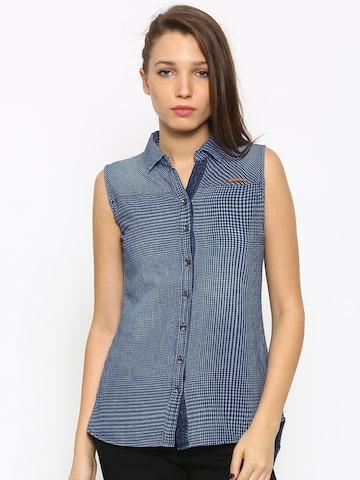 Deal Jeans Women Blue Checked Comfort Regular Fit Casual Shirt at myntra