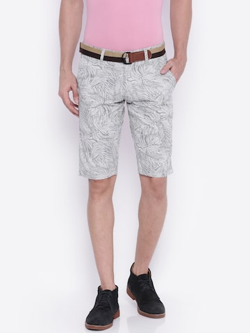 Sports52 wear Men Off-White & Blue Printed Chino Shorts at myntra