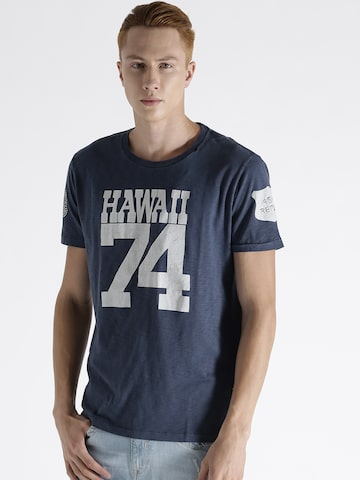 Replay Men Blue Printed Round Neck T-shirt at myntra