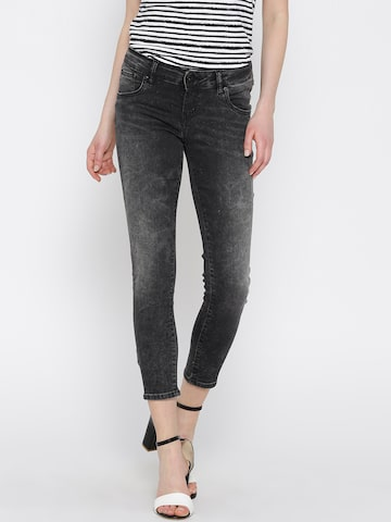 Pepe Jeans Women Charcoal Grey Mid-Rise Clean Look Cropped Jeans at myntra