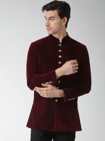 INVICTUS Maroon Slim Fit Single-Breasted Blazer INVICTUS Blazers at myntra