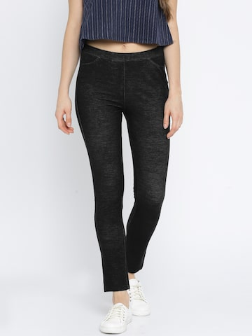 Vero Moda Black Jeggings at myntra