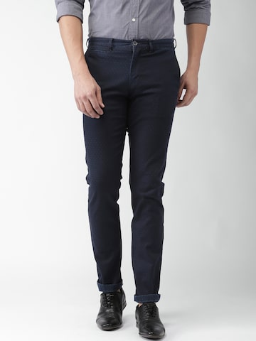 Tommy Hilfiger Men Navy Straight Fit  Solid Chino Trousers at myntra