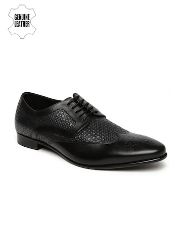 Hush Puppies Men Black Textured Genuine Leather Brogues at myntra