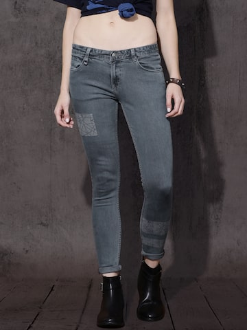 Roadster Women Blue Skinny Fit Mid-Rise Clean Look Stretchable Jeans at myntra