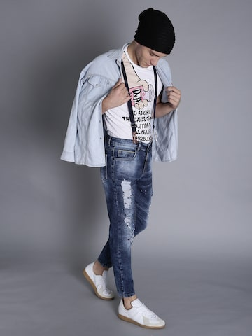 Kook N Keech Men Blue Carrot Fit Mid-Rise Mildly Distressed Jeans with Suspenders Kook N Keech Jeans at myntra