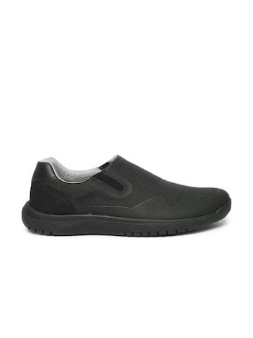 Clarks Men Black Votta Free Sneakers at myntra