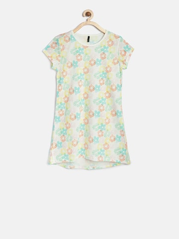 United Colors of Benetton Girls Multicoloured Printed Round Neck T-shirt at myntra