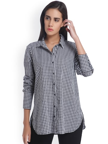 Vero Moda Women Black & White Regular Fit Checked Casual Shirt at myntra
