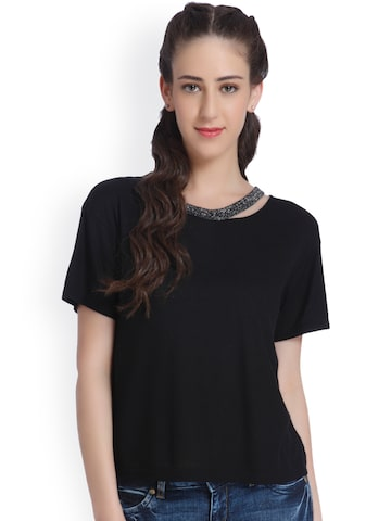 ONLY Women Black Solid Round Neck T-Shirt at myntra