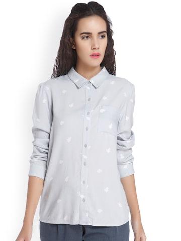 Vero Moda Women Grey Regular Fit Printed Casual Shirt at myntra