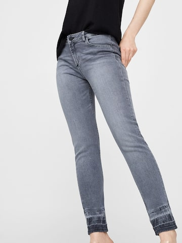 MANGO Women Grey Slim Fit Mid-Rise Clean Look Stretchable Jeans at myntra