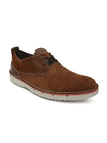 Clarks Men Brown Capler Plain Suede Derbys Clarks Casual Shoes at myntra