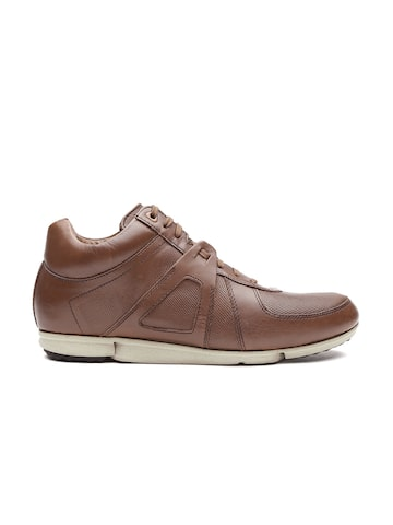 Clarks Men Brown Leather Sneakers at myntra