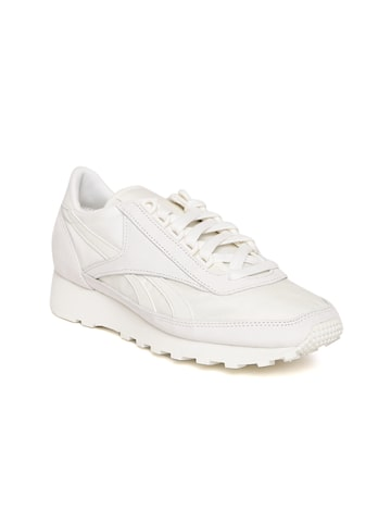 Reebok Classic Women White AZTEC FBT Suede Sneakers at myntra