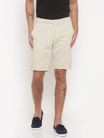 Being Human Clothing Men Off-White Solid Regular Fit Chino Shorts at myntra