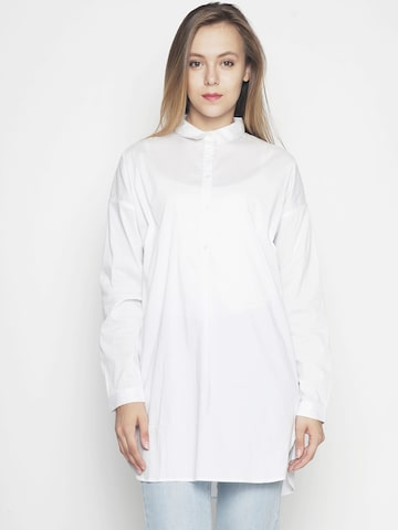 Voi Jeans Women White Regular Fit Solid Casual Shirt Voi Jeans Shirts at myntra