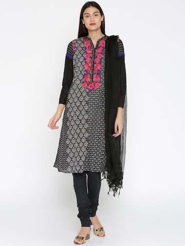 AURELIA Black Self-Checked Dupatta AURELIA Dupatta at myntra