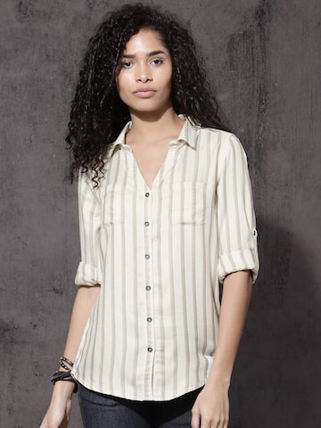 Roadster Women Off-White & Green Regular Fit Striped Casual Shirt Roadster Shirts at myntra