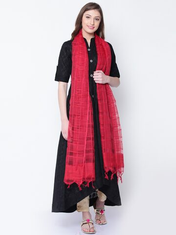 AURELIA Red Self-Checked Dupatta AURELIA Dupatta at myntra