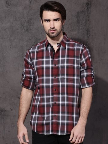 Roadster Men Maroon & Black Slim Fit Checked Casual Shirt Roadster Shirts at myntra