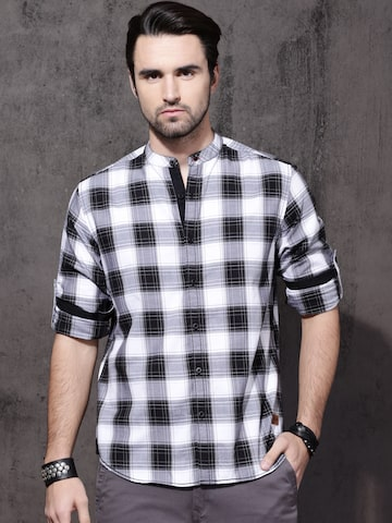 Roadster Men Black & White Checked Casual Shirt Roadster Shirts at myntra