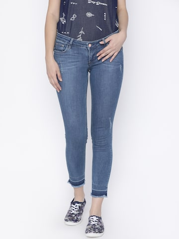 Lee Women Blue Maxi Skinny Fit Low-Rise Mildly Distressed Stretchable Jeans Lee Jeans at myntra