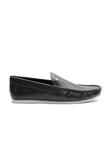 Carlton London Men Black Basketweave Pattern Leather Loafers Carlton London Casual Shoes at myntra