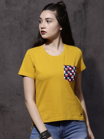 Roadster Women Mustard Yellow Solid Round Neck T-shirt Roadster Tshirts at myntra