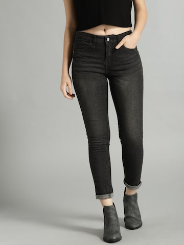 Roadster Women Black Slim Fit Mid-Rise Clean Look Stretchable Jeans Roadster Jeans at myntra