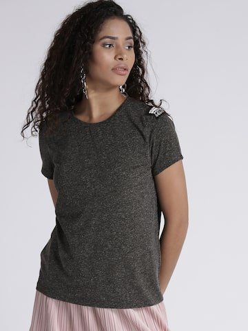 Chemistry Women Charcoal Grey Solid Round Neck T-shirt Chemistry Tshirts at myntra