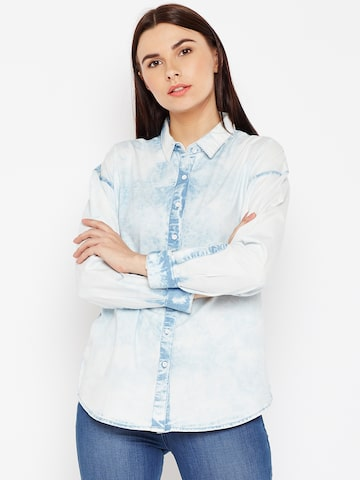 Wrangler Women Blue Regular Fit Faded Casual Shirt Wrangler Shirts at myntra