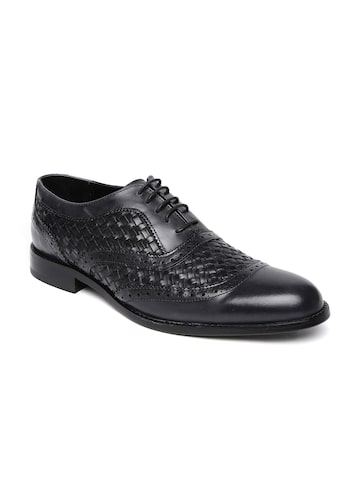 Ruosh Wedding Men Black Leather Basket-Weave Patterned Brogue Shoes at myntra