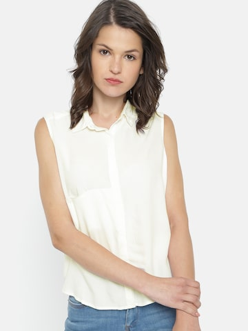 People Women Off-White Regular Fit Solid Casual Shirt People Shirts at myntra
