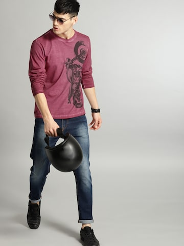 Roadster Men Maroon Printed Round Neck T-shirt Roadster Tshirts at myntra