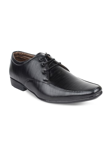 Guava Men Black Formal Shoes at myntra