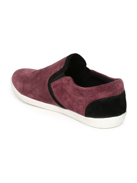 Roadster Men Maroon Suede Casual Shoes at Rs.659 – Shop Online at Myntra.com