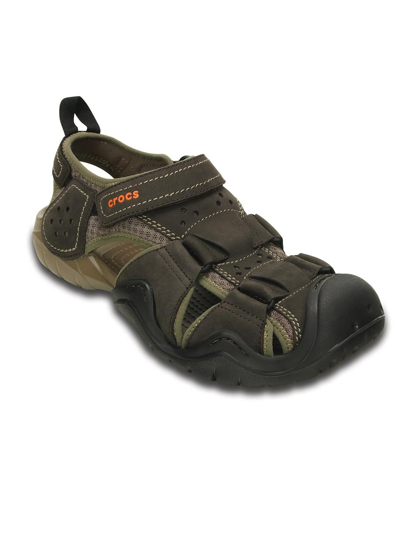 975ec1c28 Crocs 202111-23b Men Brown Leather Sandals - Best Price in India ...