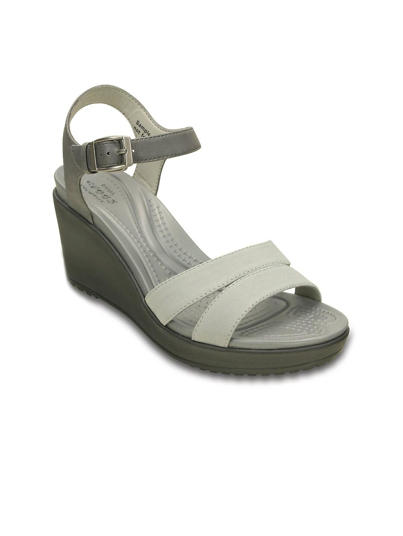 f6b66153308c Crocs 202511-05r Women Grey Wedges - Best Price in India