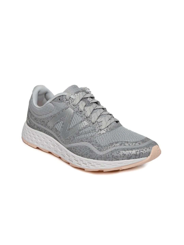 official photos 6d925 39772 Buy New Balance Women Black WR996JV Running Shoes - Sports ...