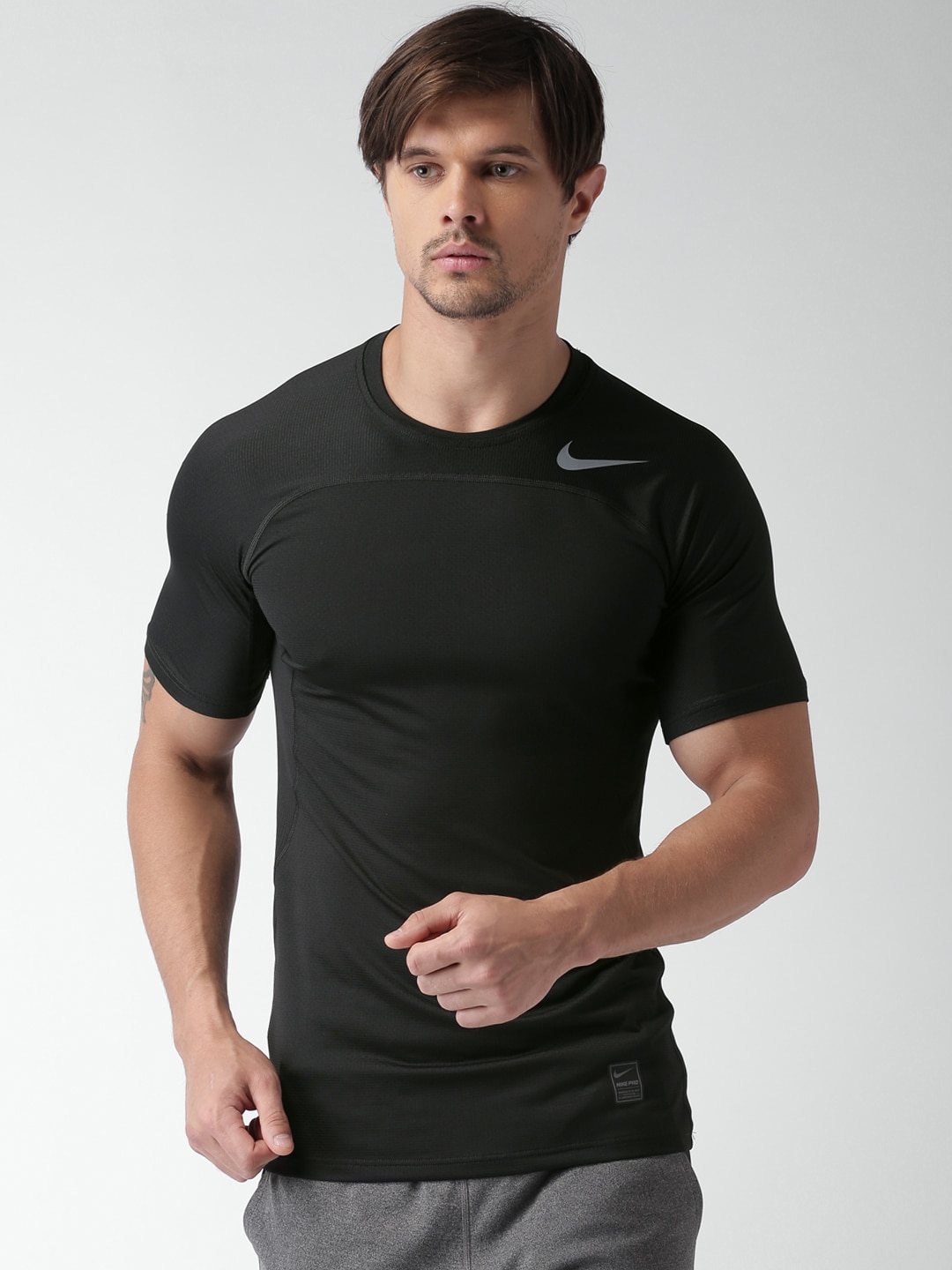b61f82138bfb Nike 828179-010 Men Black Solid Round Neck T Shirt - Best Price in ...